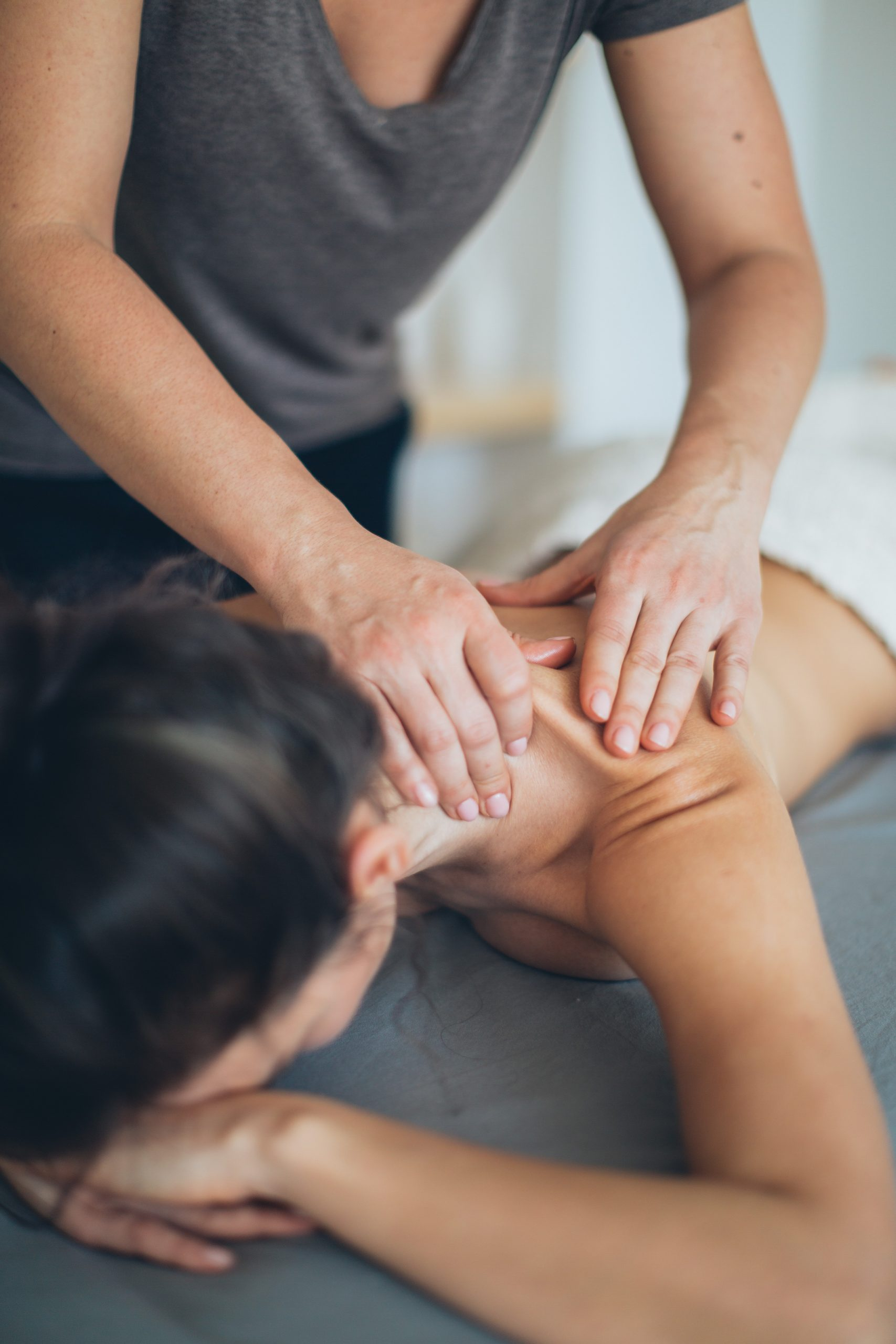massage-session-3865799